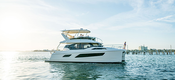 Profile shot of Aquila 44 on water