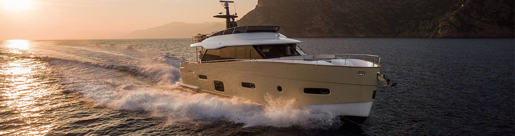 Azimut Magellano 66 at sunset