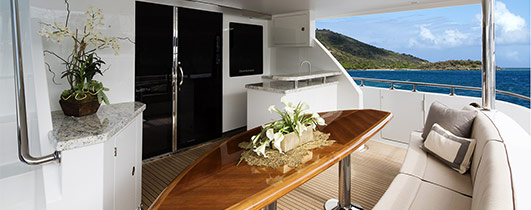Aft seating on Ocean Alexander 78 Motoryacht