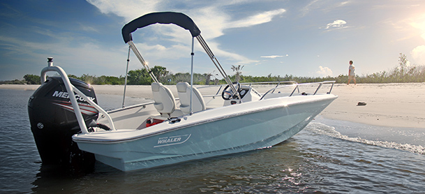 A Boston Whaler Super Sport