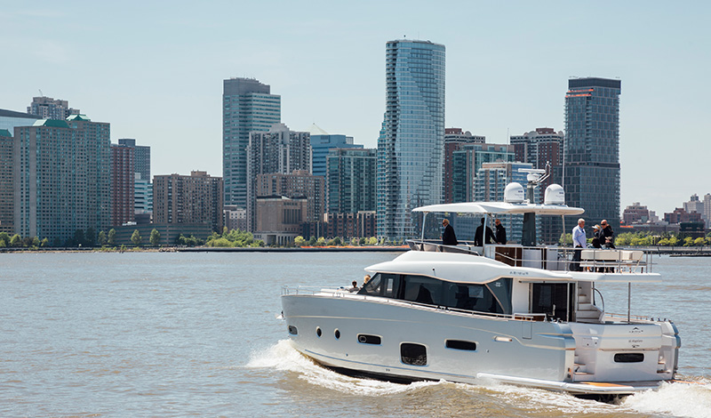 azimut yacht in the hudson river