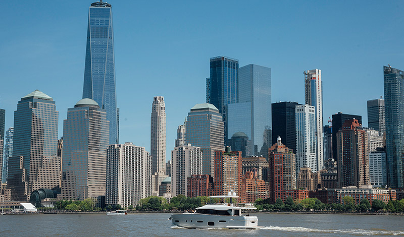 azimut yacht in front of the new york city skyline