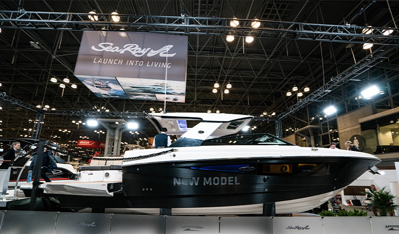 a sea ray boat at the new york boat show