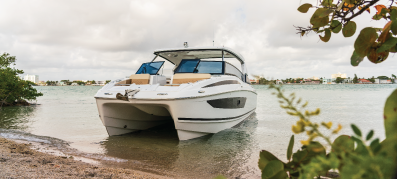 New Aquila 32 Power Catamaran on the water