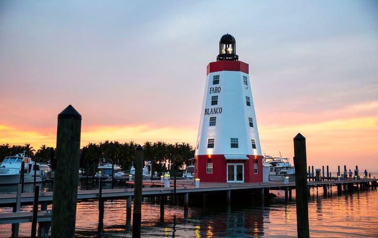 faro-blanco-lighthouse.jpg