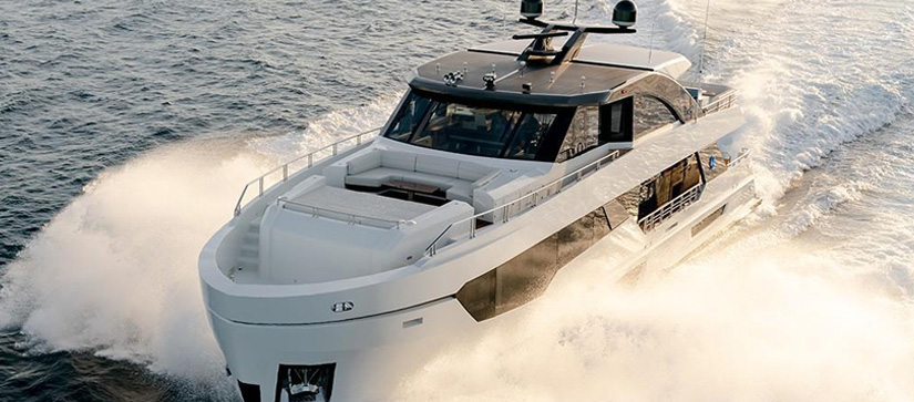2021 Ocean Alexander 28R out on the water