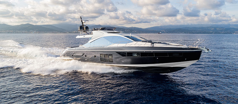 An Azimut S7 in the water