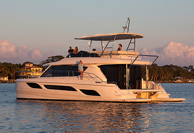 MarineMax 484 Power Catamaran