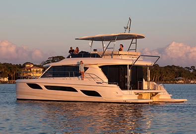 MarineMax 484 Power Catamaran