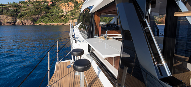 Stool seating on yacht