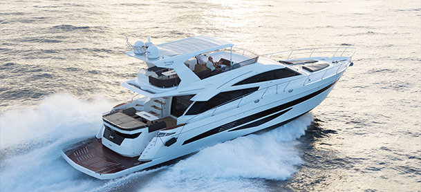 Profile view of the Galeon 660 Fly
