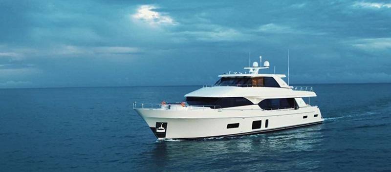 Ocean Alexander 100 Sky Yacht